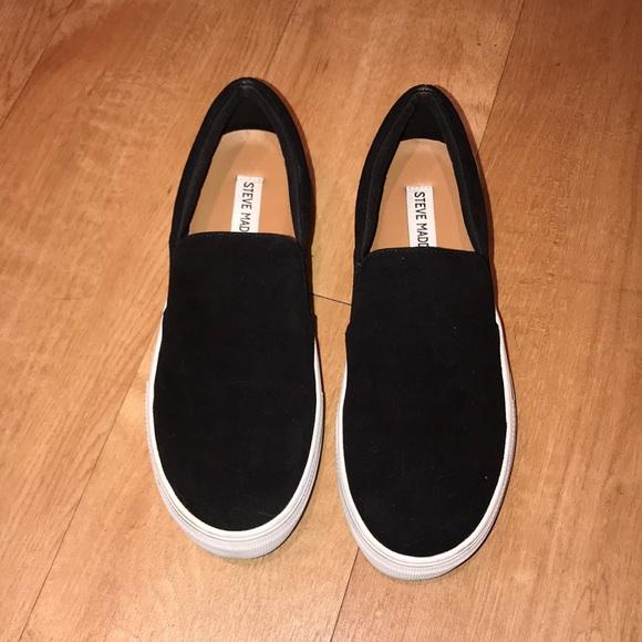 565924df7f2 Steve Madden Shoes - Steve Madden Gills Black Slip-On s🖤